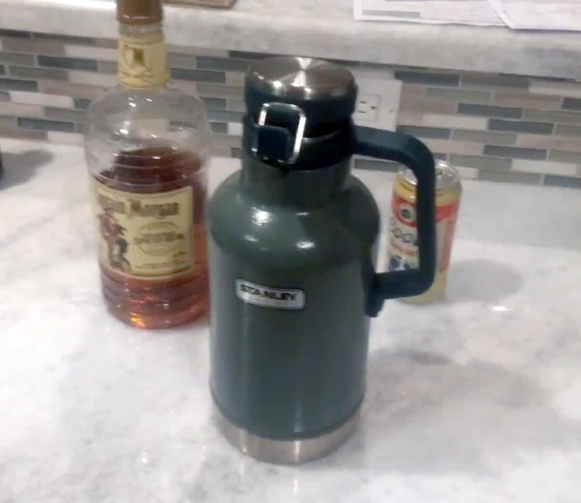 Stanley Classic beer Growler Set